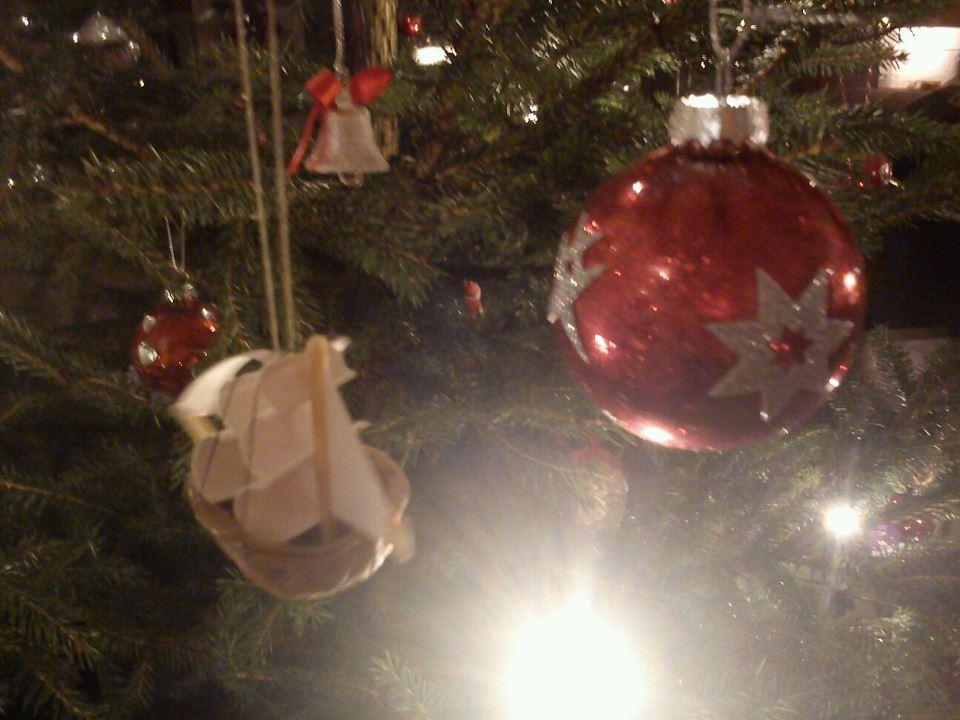 Idag har jag allt klätt julgranen!